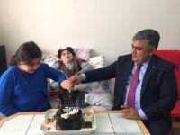 Başkan Özgüven'den, Gülce'ye Doğum Günü Sürprizi