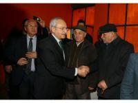 Kılıçdaroğlu, apartman yönetimi toplantısına katıldı