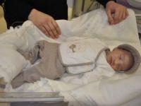 Eren bebeğin hayata tutunuşu