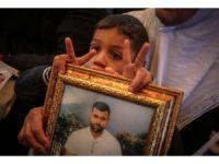 İsrail hapishanelerindeki Filistinli tutuklulara destek gösterisi