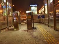 Konya'da tramvay durağında iki kişiyi bıçaklayan Suriyeliler yakalandı