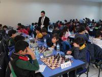 Küçük satrançcılar okulları için hamle yaptı