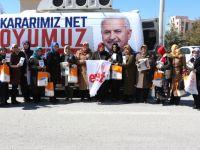 AK Parti Konya Kadın Kolları Ev Ev Gezerek Referandum İçin Destek İstiyor