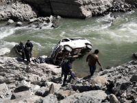 Ordu'da minibüs ırmağa uçtu: 1 ölü, 2 yaralı