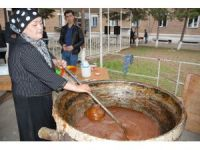 """Özbekler ilkbaharı """"Sümelek"""" tatlısıyla karşılıyor"""