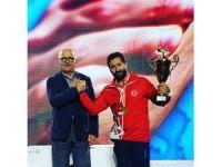 Bilek Güreşinde Yılmaz Fazıloğulları Avrupa Şampiyonu oldu