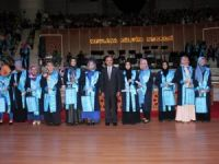 NEÜ İlahiyat Fakültesi'nde mezuniyet coşkusu