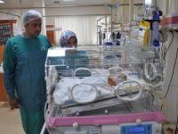 """Kalp damarları ters doğan bebeğe """"hayat"""" operasyonu"""