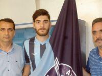 Can Demir Aktav, imzaladı