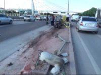 Konya'da Ticari Araç Alt Geçit Bariyerine Çarptı: 1 Yaralı
