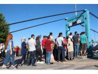 """Avanos'ta """"sallanan köprü"""" sırası"""
