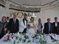 Ali Büyükeliiki oğlunu evlendirdi