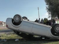 Kulu'da otomobil takla attı