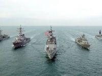 ABD gemisinden İran devriye botuna uyarı ateşi
