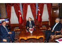 Cumhurbaşkanı Erdoğan, Demirören ve Lucescu'yu kabul etti