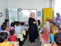 Aile Destek Merkezi Uzmanları'ndan eğitim