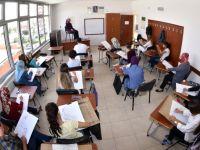 Öğretmen Adayları Komek ve Asem'de Yeni Açılan Merkezler İçin Ter Döktü