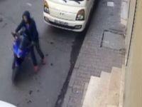 Motosiklet hırsızları güvenlik kamerasına yakalandı