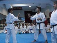 Döküm ustasıydı, karateci yetiştirmeye başladı