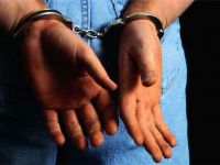 İzmir'de ByLock'a 18 tutuklama