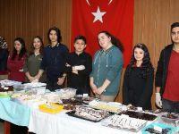 Öğrenciler şehit ailelerine destek için mutfağa girdi