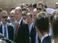 Erdoğan, cuma namazını Bezm-i Alem Valide Sultan Camii'nde kıldı