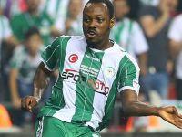Konyaspor'lu futbolcu Abdou Razack Traore palalı saldırıya uğradı