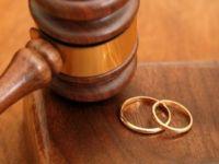 Eşinden ayrılan kocanın boşanma ve nafaka sevinci