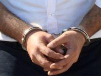 FETÖ şüphelisi avukat saklandığı balkonda yakalandı