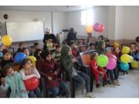 Suriyeli yetim çocuklara sinema etkinliği