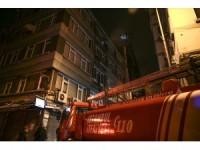 Şişli'de çatı yangını
