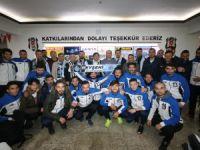 Beşiktaş taraftarlarıyla buluştu