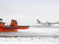 Almanya'da hava ulaşımına kar engeli