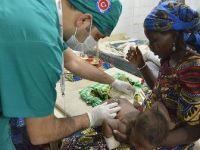 Türk doktorlar Nijer'de şifa dağıttı