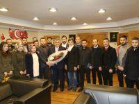 AK Gençlik Başkan Özgüven'i ziyaret etti