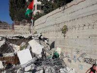 İsrail güçleri Filistinliye ait evi yıktı