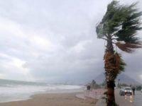 Antalya'da şiddetli fırtına