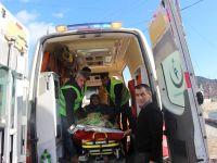 Yaşlı kadın hastaneye belediye ve sağlık ekipleri tarafından taşındı