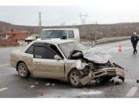 GÜNCELLEME - Kütahya'da trafik kazası: 1 ölü, 3 yaralı