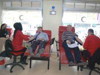 Öğretmenler kan bağışladı