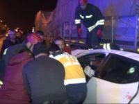 Konya'da Tıra Arkadan Çarpan Otomobil Dorsenin Altına Girdi