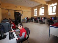 Beyşehir Belediyesi'nden mahalle okuluna bilişim sınıfı