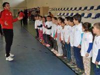 Geleceğin şampiyonları ilkokul sıralarında belirleniyor