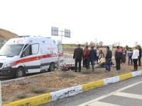 Beyşehir'de motosiklet devrildi: 1 yaralı