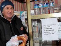 'Simitçi abla'nın bir günlük geliri Mehmetçik'e
