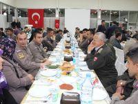 Başkan Tutal, Şehit Ve Gaziler Onuruna Yemek Düzenledi