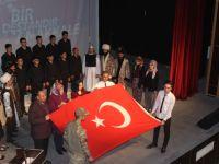 """Karapınar'da """"Bir destandır Çanakkale"""" tiyatro oyunu sahnelendi"""