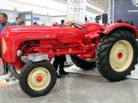 56 yıllık Porsche traktör Konya Tarım Fuarı'nın  gözdesi