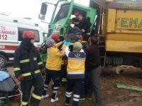 İki Hafriyat Kamyonu Çarpıştı: 1 Yaralı