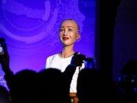 'Robot Sophia', Will Smith ile buluşmasını anlattı